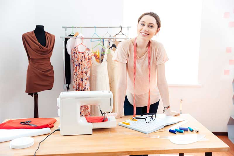 Sartoria: cucire vestiti e tariffe per abito Guadagnare a Casa
